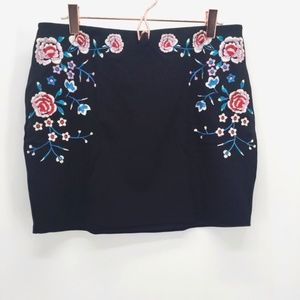 Express Floral Embroidered Mini Skirt
